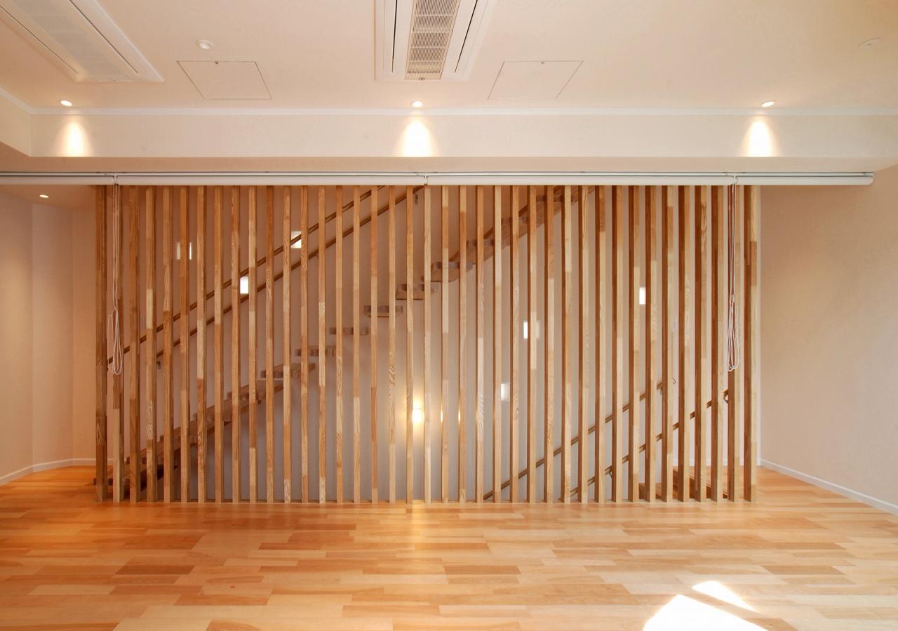 各階を繋ぐ階段